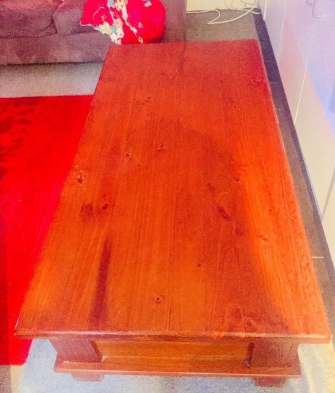Only 190! Solid Oak Wood Coffee Table with 2 large drawers !